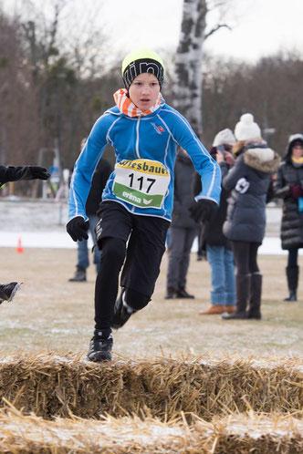 Lorenz Baumgartner beim Sieg in seiner Klasse beim 1. Lauf zum WLV-Crosscup (Foto: Pinkl)