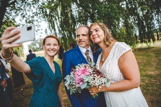 Le selfie des mariés! Photo by Olivier Fredonnet - Les pépés wedding