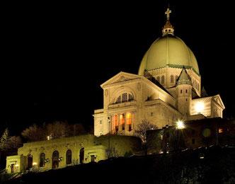 L'Oratoire, à la sortie des dernières confessions du soir