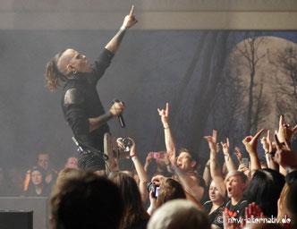 Lord of the Lost auf dem Autumn Moon Festival in Hameln 2019 - eine große Party für Publikum und Musiker.