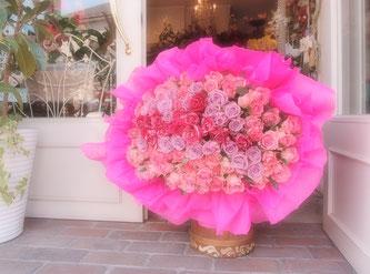 99本のバラの花束