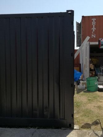 兵庫県加東市 中古海上コンテナ12ftブラック塗装設置