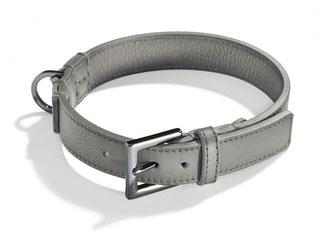 Graues Hundehalsband aus Leder mit geschwärzter Schließe