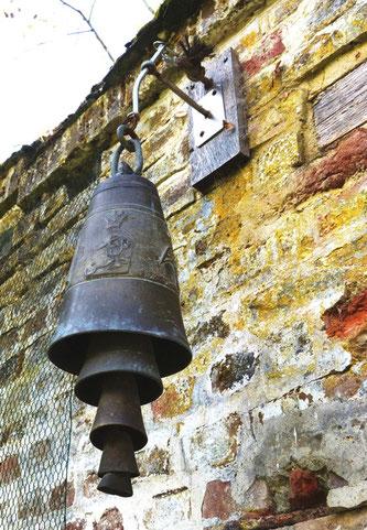 Une cloche exceptionnelle au château de Creuse- Ph: Annick-Amiens