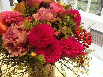 美しい花たちのブーケ