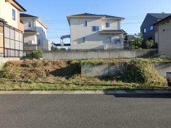 新築工事着工前の草刈り