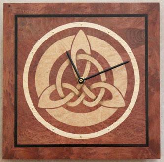 horloge celtique en bois cadeau de Noël insolite