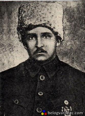 Азин Владимир Мартинович , начальник 28-ой Советской дивизии, взятый в плен казаками в результате контрнаступления белых.