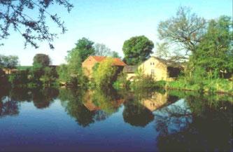 Broicher Mühle und Broicher Weiher (Foto: Wolfgang Voigt)