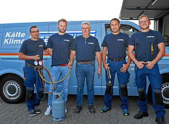 Mit ihrem professionellen Serviceteam gewährleistet die Kälte Klima Grässlin GmbH, Eimeldingen, eine schnelle Instandsetzung sowie zuverlässige Reparatur und Wartung Ihrer Kühl- und Klimaanlagen und Geräte. Auch in der Grenzregion Schweiz und Frankreich.