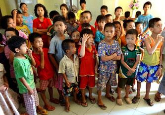 Enfants sourds et malentendants de l'école Mary Chapman.