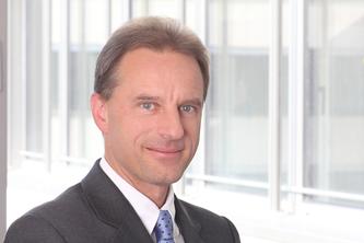 Dr. med. Dipl. Phys. Stefan Kottmair, Experte für Versorgungsmanagement, Gesundheitsmanagement, Disease  Management, E-Health, Gesundheitsservices