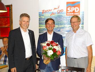 v. l. n. r. Landtagsabgeordneter Dirk Schlömer, Bundestagsabgeordneter Sebastian Hartmann, Landtagsabgeordneter Achim Tüttenberg