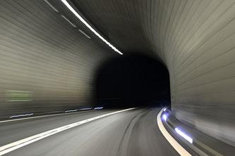 Tunnelblick (Blende 3, Brennweite 50mm, Verschlusszeit 1/5 Sek)
