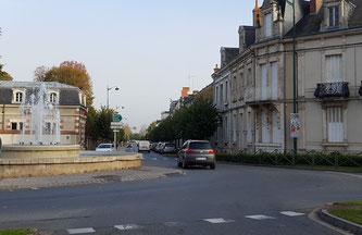 Rond-point de la sous-préfecture et avenue de la gare