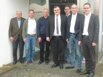 Von links nach rechts: Hans-Peter Friese, Thorsten Vogt, Gerhard Wellmann, Klaus-Peter Kunze, Folker Dewald, Hermann Ludewig, Thorsten Baumgart