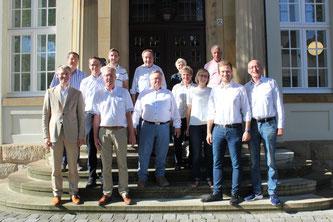 Dr. Brinkmeier (links) mit der FDP-Gruppe