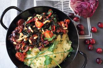 Polenta mit Wintergemüse und Cranberrys