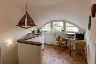 Fledermausgauben sind beeindruckende Dachgestaltungselemente. Sie sind dabei nicht nur schön anzusehen, sondern erweitern die Wohnfläche und erhöhen den Immobilienwert. Foto: Fotolia.com