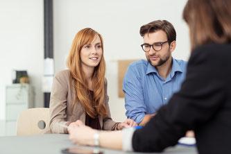 Für Immobilienbesitzer kann es im Einzelfall sinnvoller sein, einen alten Darlehensvertrag zu kündigen, statt ihn zu widerrufen. Foto: Fotolia.com