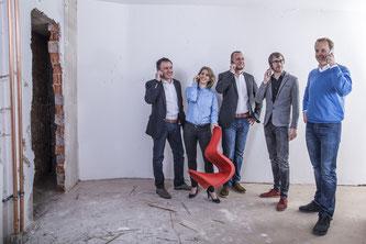Die Führungscrew des neuen Stores in Stuttgart: Thilo Weinland, Bärbel Heck, Andreas Heck, Timm Berkmann und Steffen Bovenberg (v.l.n.r.). Foto: www.store-s.de