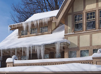 Außenleitungen sind im Winter besonders gefährdet. Aber erst bei Tauwetter zeigen sich dann die Schäden durch Minusgrade - im schlimmsten Fall können so Rohrbrüche enstehen. Foto: Fotolia.com