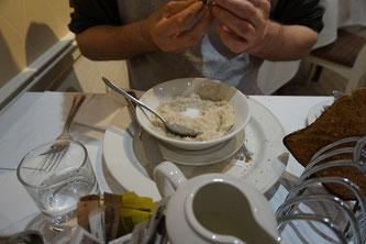 schottisches Frühstück mit Porridge