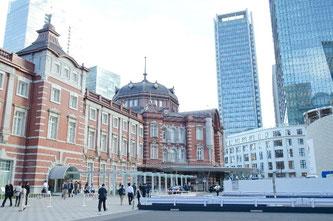 通勤で使用される東京駅の外観画像