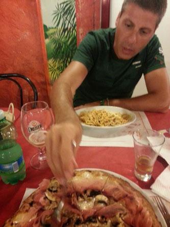 Mio marito mi ruba uno spicchio di pizza, di Osvaldo