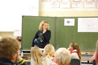 Am #GivingTuesday in der St. Marien Grundschule, Enniger