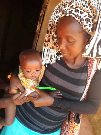Masoso Antoinette bei ihrer Arbeit im Hochland von Minembwe