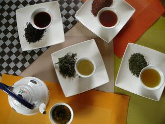 Boire du thé vert bio