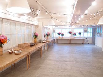 渋谷区南平台町、ホテルエマノンにて会社設立パーティ装花の模様。