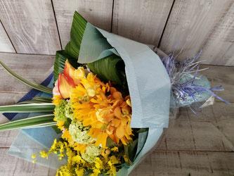 三村マサカズ様宛の誕生日御祝いの花束