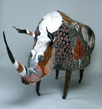 Légende: Rhinoroulécéros- fil de fer , papier, objet de récupération.