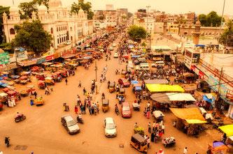 凄まじい勢いで成長を続ける超大国インド。ヒンディー語を学び、インドをより身近に感じてみませんか