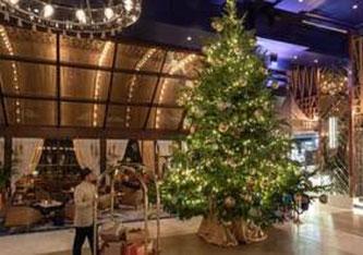 Der teuerste Weihnachtsbaum mit einem Wert von 14 Millionen Euro stand im Hotel Kempinski Bahía Estepona bei Marbella (Foto: Hotel Kempinski Bahía Estepona).