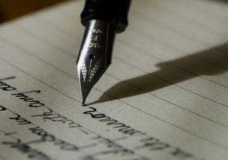 Das Schreiben lernen per Handschrift kann mühsam sein.