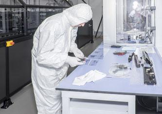 Elektronische Komponente können auf flexible Unterlagen wie Papier oder Polymer aufgedruckt werden. Dafür sind spezialisierte Druckgeräte nötig. Bild Empa