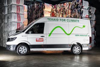 Das erste Texaid-Elektrofahrzeug der Marke MAN für den Transport von Altkleidersäcken  Bildquelle: texaid.ch