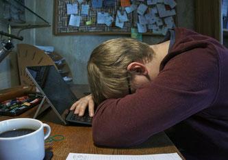 Viele Arbeitnehmer fühlen sich im Homeoffice überlastet und einsam (Bildquelle: pixabay)