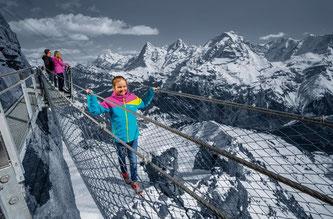 Beliebt bei Wagemutigen: Der Thrill Walk unterhalb der Station Birg  Bildquelle: Schilthornbahn AG