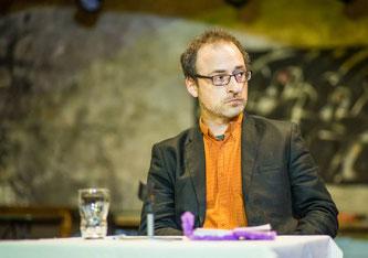 Arpad W.Tóta (43), ungarischer Publizist, erhielt 2003 den Pulitzer Preis. Er lebt in Budapest und publiziert in den noch existierenden freien Medien.