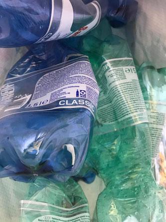 Getränkeflaschen aus dem Kunststoff PET (Foto: DMZ Mittelländische Zeitung)