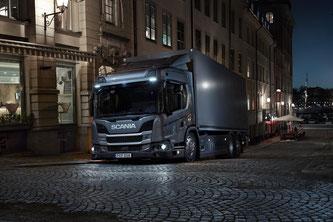 Der Hybrid elektrische Scania L 320 HEV, ideal für geräuscharme Warenauslieferung morgens, abends und nachts.  Bildquelle: Scania Deutschland Österreich