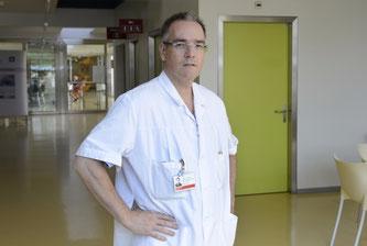 Thierry Fumeaux, der geschäftsführende Präsident der Schweizerischen Gesellschaft für Intensivmedizin (SGI), hat sich mit dem neuen Coronavirus angesteckt. Bildquelle: SRF