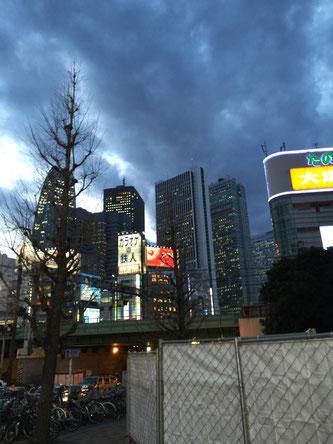 新宿 ビル街