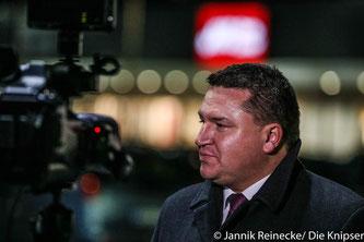 Held tritt von allen Ämtern zurück, behält jedoch Bundestagsmandat