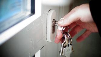 Eine zugefallene Tür kann schnell eine kostspielige Angelegenheit werden. Foto: Landeskriminalamt Rheinland-Pfalz