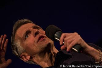 Der Kabarettist Johannes Flöck begeisterte sein Publikum mit seinem Jubiliäumsprogramm